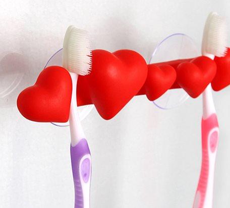 Love♥ shape Toothbrush Holder