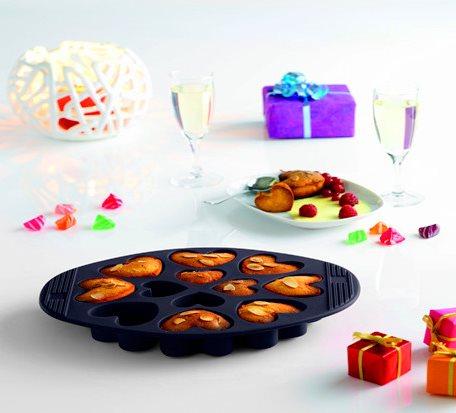 Black Love-Shape Silicone Muffin Mold