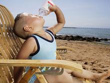 怎样判断孩子是不是该补水啦?